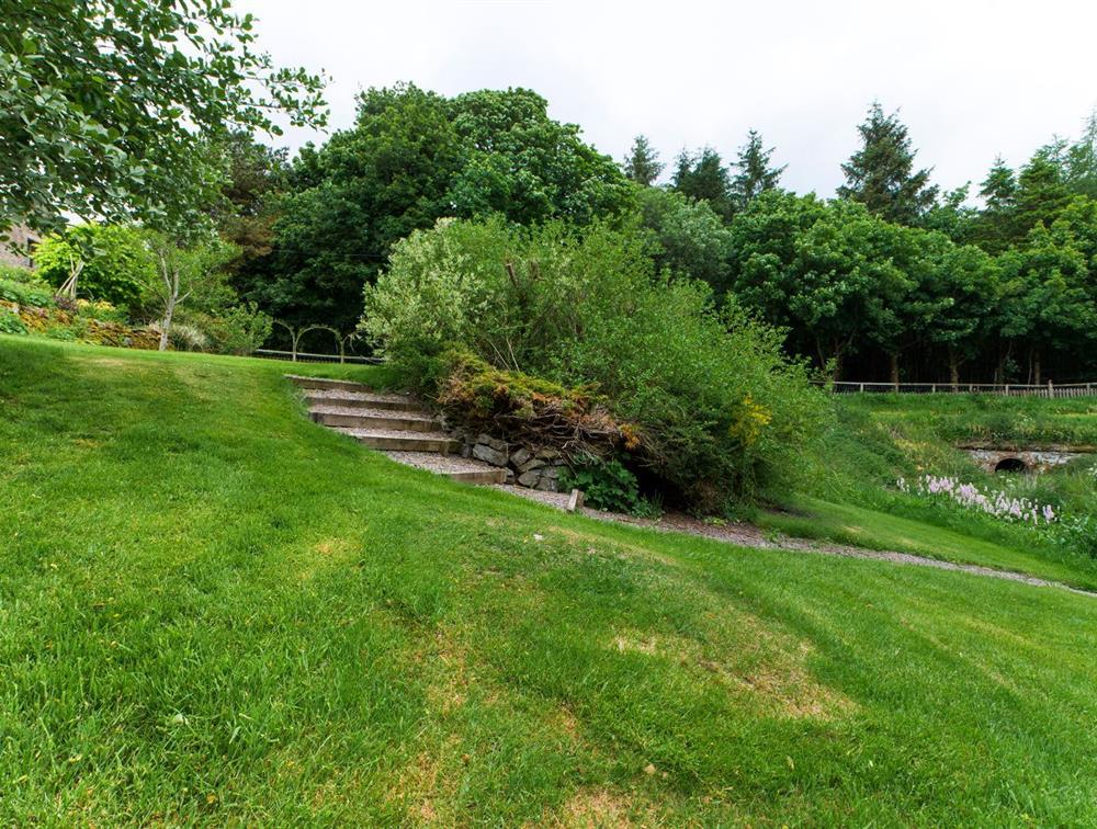 Gardens (f)