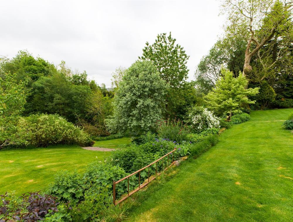 Gardens (g)